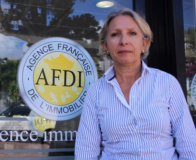 Photographie de Maguy Marcellin, responsable de la gestion locative à l'Agence Française De l'Immobilier (AFDI)
